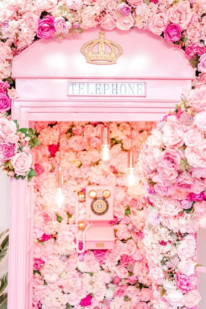 Lash spa pink phone booth