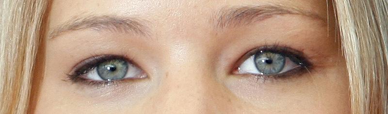 Hooded eyes lash style